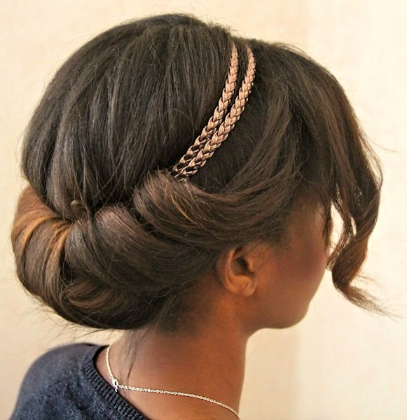 Chignon Rouleau (Queue Curl, Tuck and Roll)