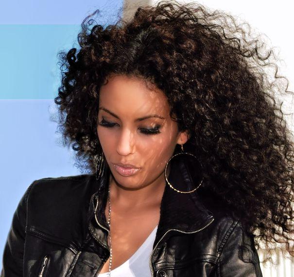 Perruque cheveux naturels frises